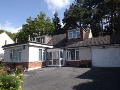 5 Bedrooms Bungalow for sale in Poole, Dorset