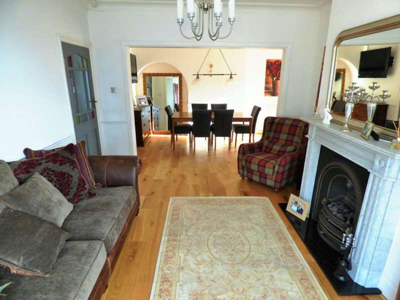4 Bedrooms Semi Detached House for sale in ***REDUCED*** Coast Road, Redcar