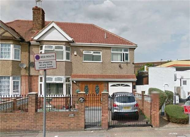 5 Bedrooms Semi Detached House for sale in Great West Road, Isleworth, Greater London