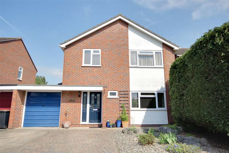 3 Bedrooms Detached House for sale in Boscombe Close, Egham, Surrey, TW20