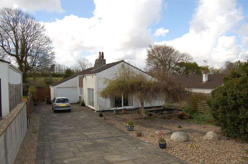3 Bedrooms Detached Bungalow for sale in Meadowside Close, Hayle