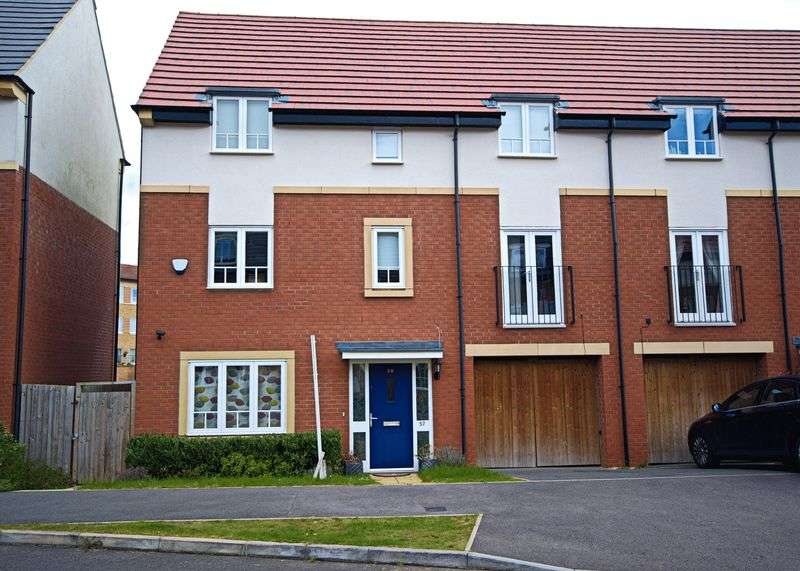 4 Bedrooms Property for sale in Willen Park, Milton Keynes