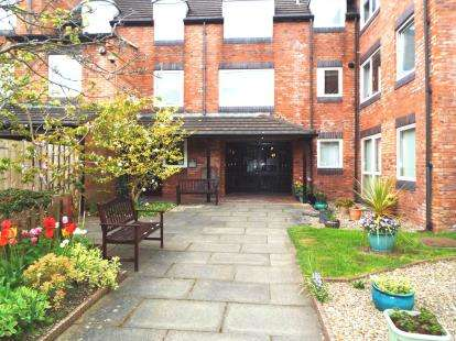 1 Bedroom Flat for sale in Homeforth House, High Street, Gosforth, Newcastle Upon Tyne, NE3