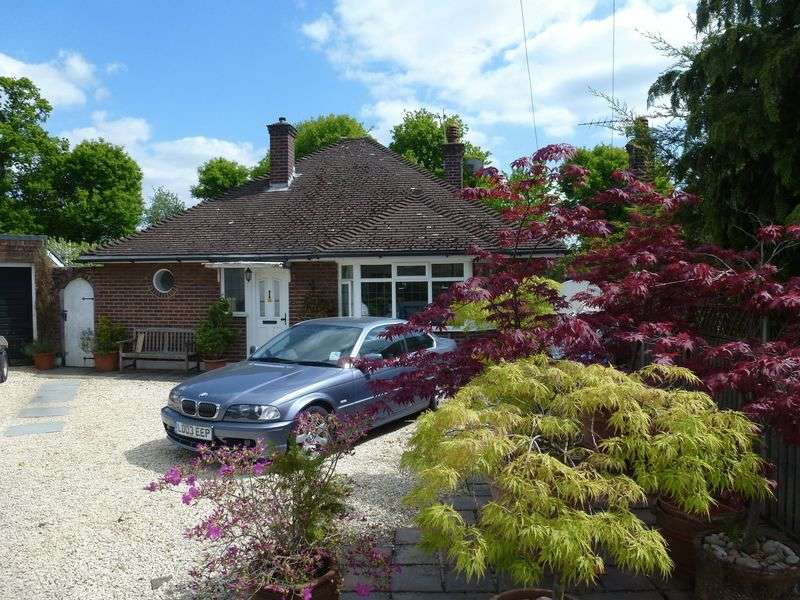 3 Bedrooms Detached Bungalow for sale in BOOKHAM - EXTENDED BUNGALOW IN LARGE CORNER PLOT