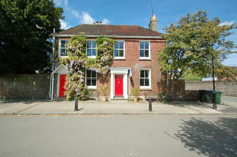 4 Bedrooms Detached House for sale in St. Peters Road, PETERSFIELD, Hampshire
