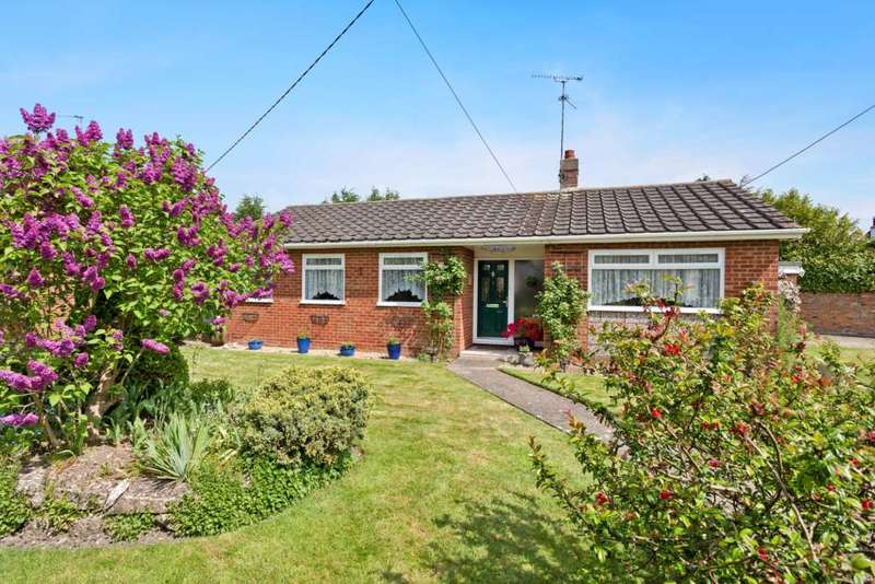 3 Bedrooms Bungalow for sale in Chequers Lane, Pitstone