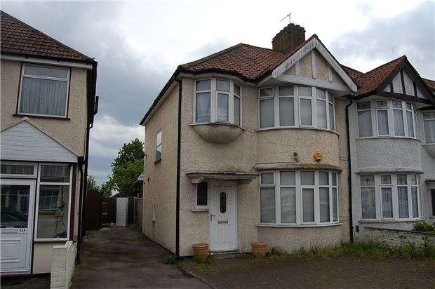 3 Bedrooms Semi Detached House for sale in Wakemans Hill Avenue, KINGSBURY, NW9 0TJ