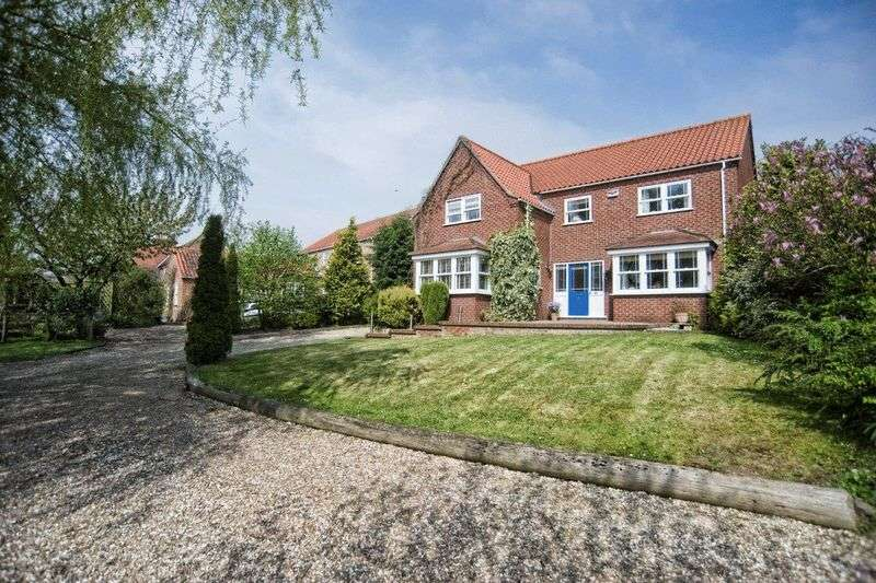 4 Bedrooms Detached House for sale in Main Street, Saxby-all-Saints, Brigg