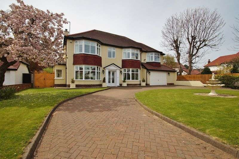 5 Bedrooms Detached House for sale in Breeze Road, Southport