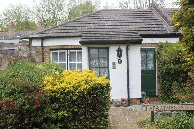 1 Bedroom Retirement Property for sale in Cambridge Road, Southend-On-Sea