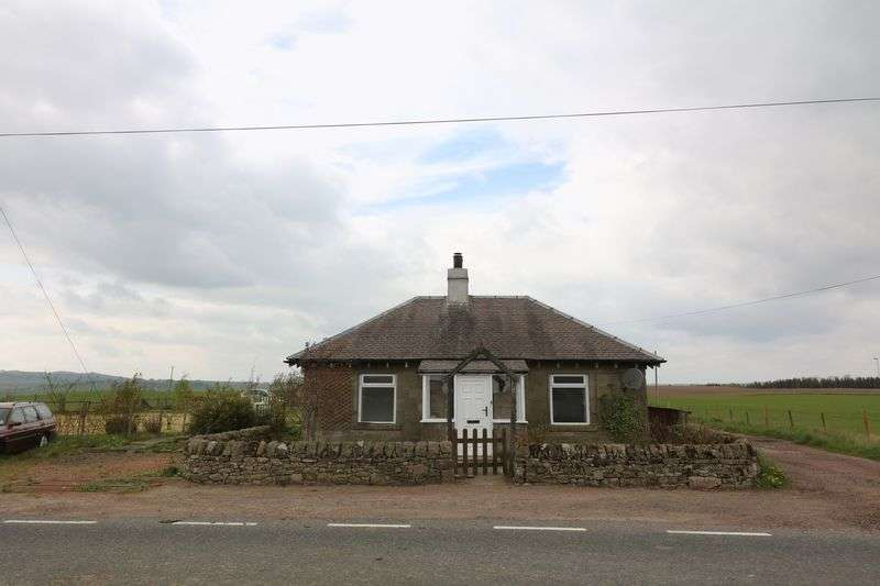 3 Bedrooms Cottage House for sale in Detached Cottage Set In Rural Location.