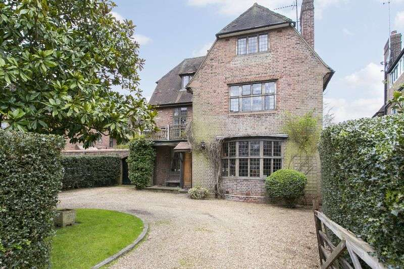 6 Bedrooms Detached House for sale in Hampstead Way, Hampstead Garden Suburb, NW11