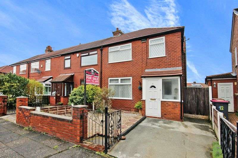 3 Bedrooms Semi Detached House for sale in Laurel Drive, Little Hulton M38 9NR