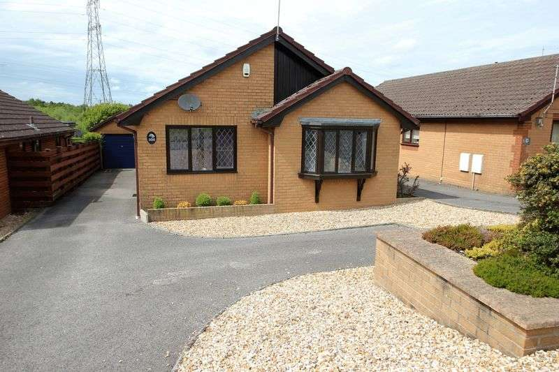 3 Bedrooms Detached Bungalow for sale in Leeson Drive, Ferndown