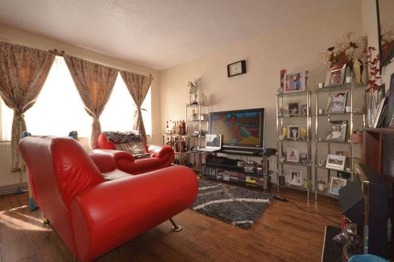 2 Bedrooms Flat for sale in Oakfield Road, Walthamstow, London