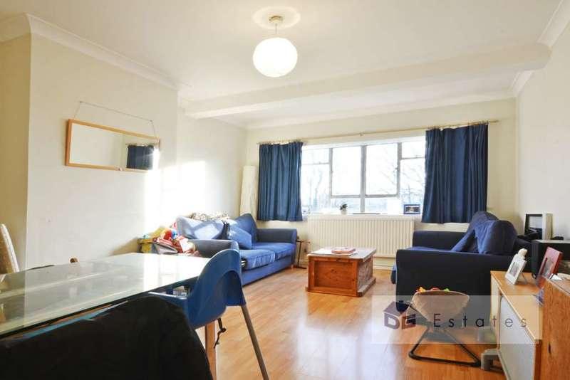 3 Bedrooms Flat for rent in Pellatt Grove, Wood Green