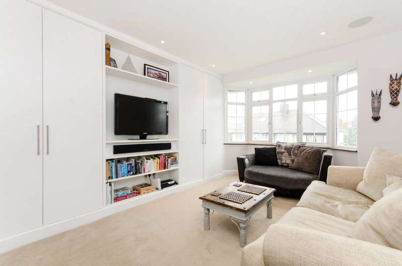 3 Bedrooms Maisonette Flat for sale in Gracefield Gardens, Streatham Hill, SW16