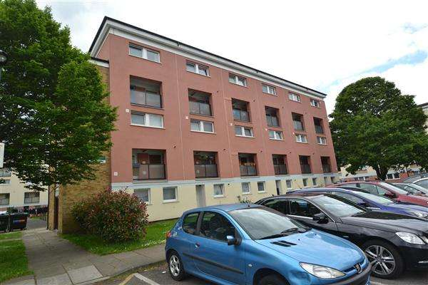 2 Bedrooms Apartment Flat for sale in Edgar Road, Hounslow