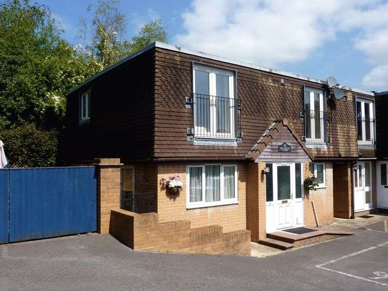 4 Bedrooms Semi Detached House for sale in Lyme Regis