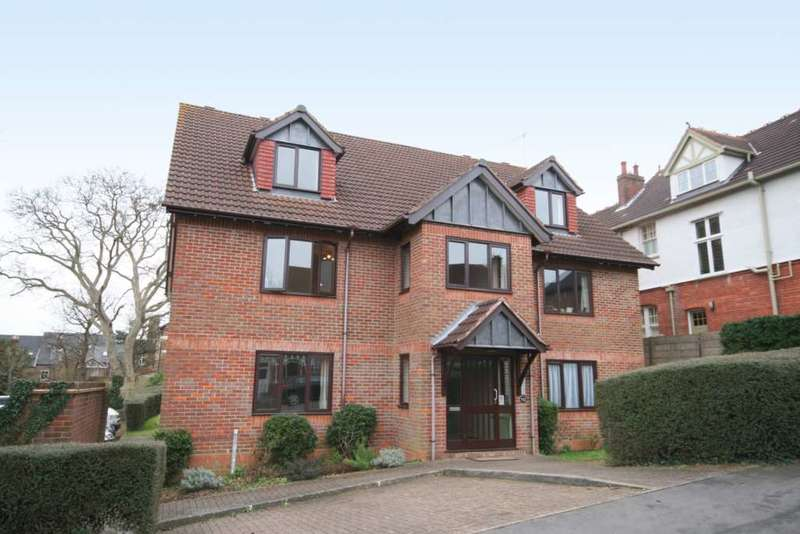 2 Bedrooms Apartment Flat for sale in Park View Court, Berkhamsted