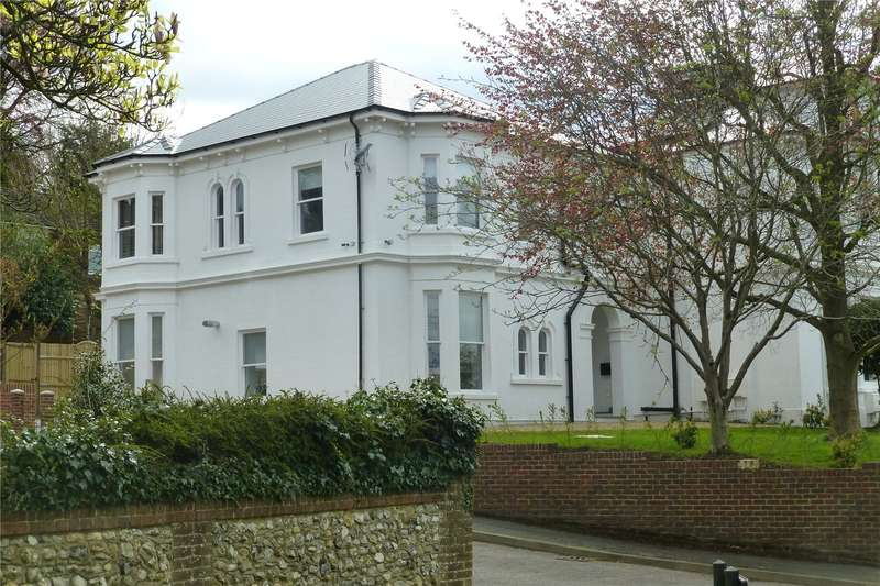4 Bedrooms House for sale in Priory Close, Dorking, Surrey, RH4