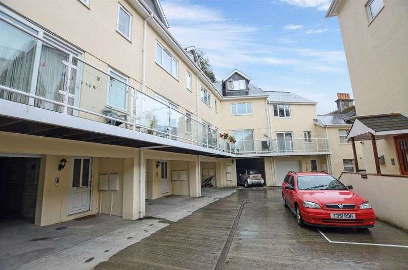 2 Bedrooms Flat for sale in Braddons Hill Road West, Torquay