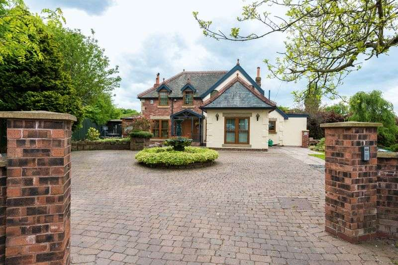 3 Bedrooms Detached House for sale in North Moor Lane, Hallsall