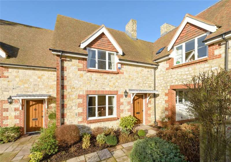 2 Bedrooms Terraced House for sale in Castleview, Church Street, Amberley, Arundel, BN18