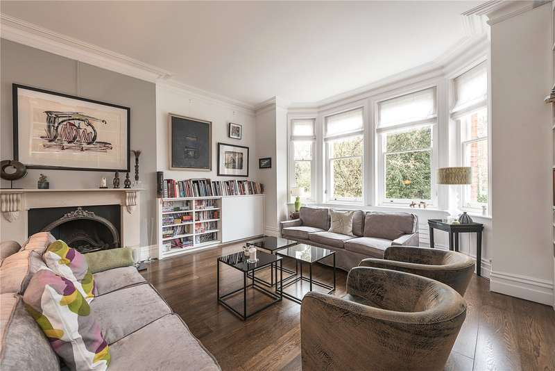 3 Bedrooms Flat for sale in Chesterford Gardens, London, NW3
