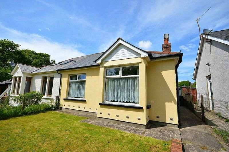 3 Bedrooms Semi Detached Bungalow for sale in Crumlin Road, Pontypool