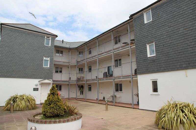 2 Bedrooms Flat for sale in Hilgrove Road, Newquay