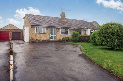 4 Bedrooms Bungalow for sale in South Chard, Chard, Somerset