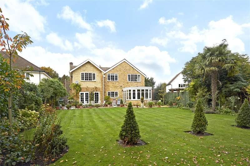 5 Bedrooms Detached House for sale in The Heronry, Hersham, Walton-on-Thames, Surrey, KT12