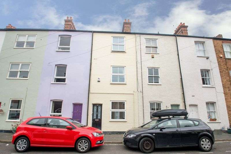 2 Bedrooms Terraced House for sale in Riverside Road, St Albans