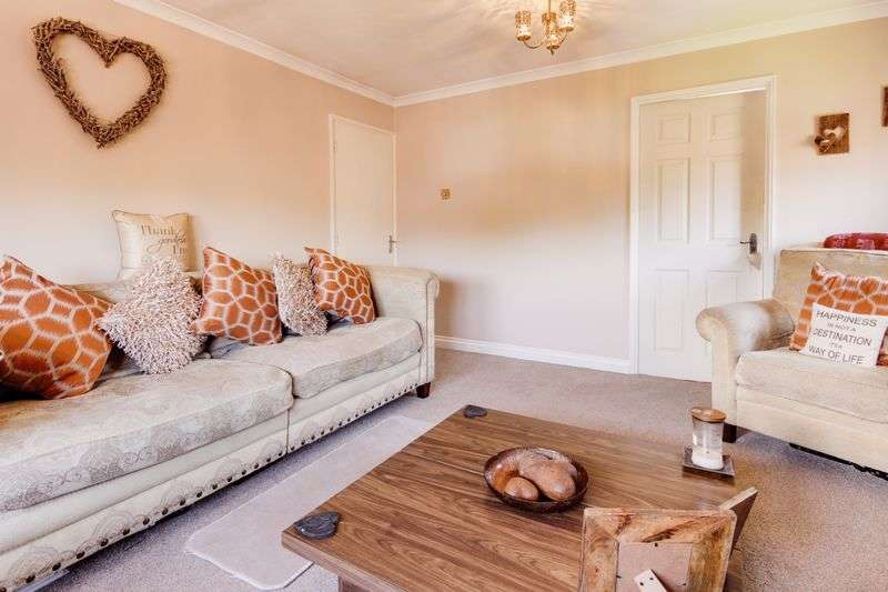 2 Bedrooms Flat for sale in Amy Johnson Close, Newport