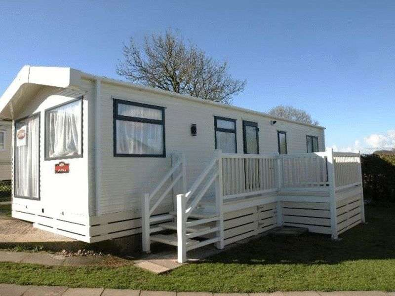 2 Bedrooms Detached Bungalow for sale in Pitch PA6, Slyne Caravan Park, Lancaster, Lancashire, LA2 6BG