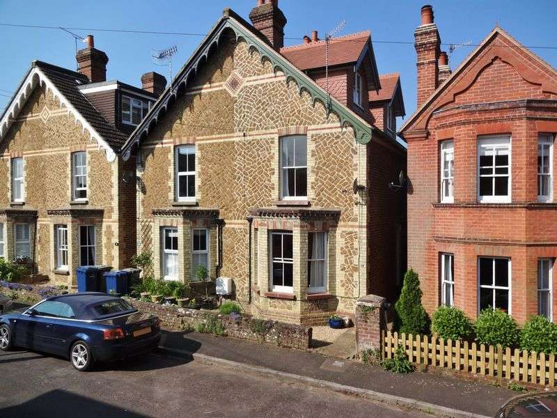 4 Bedrooms Semi Detached House for sale in Ormonde Road, Godalming