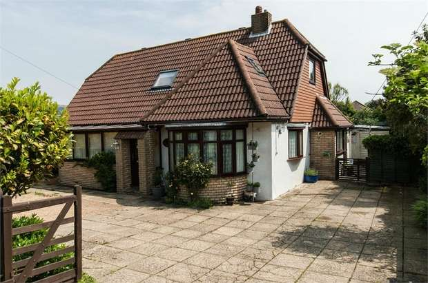 4 Bedrooms Detached House for sale in Shepherds Way, Fairlight, Hastings, East Sussex