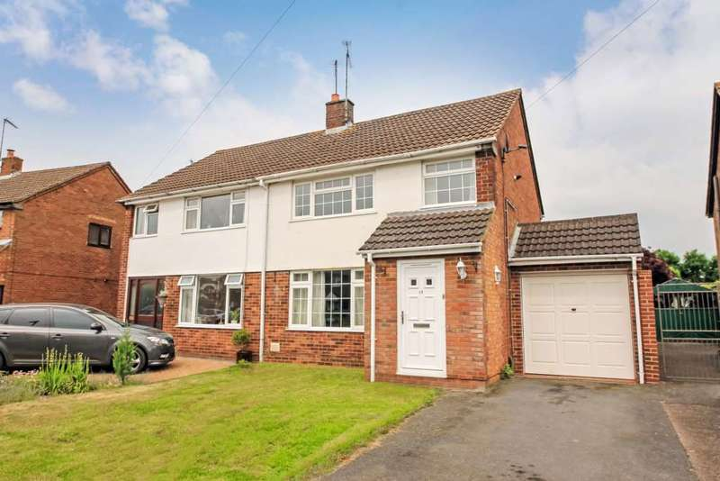 4 Bedrooms Semi Detached House for sale in Deans Furlong, Tring