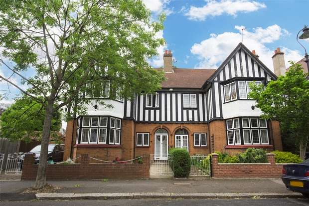 6 Bedrooms Semi Detached House for sale in Heathfield Road, Acton