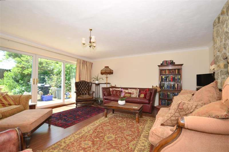 5 Bedrooms Detached House for sale in New House Close, Canterbury, Kent