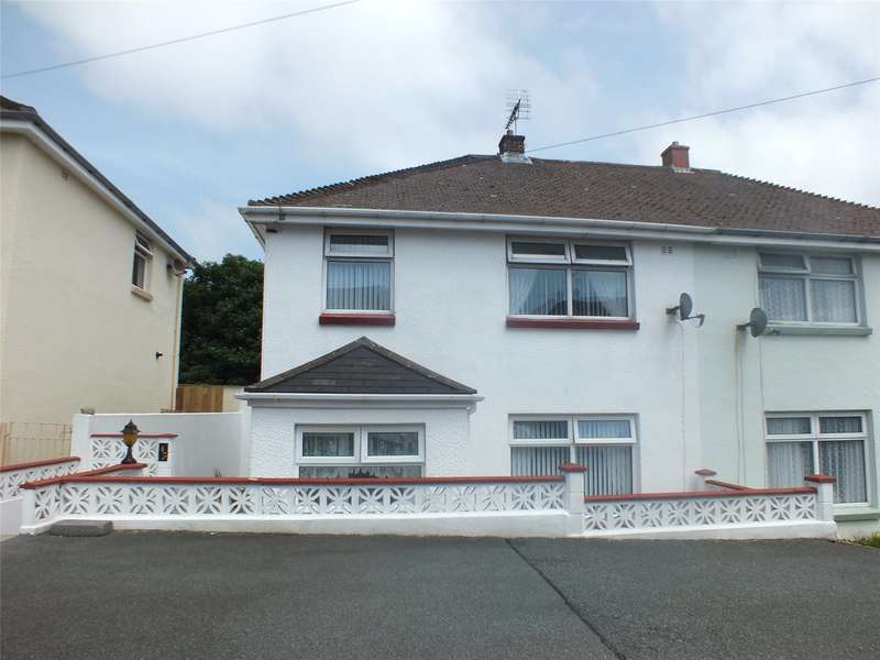3 Bedrooms Semi Detached House for sale in Coombs Drive, Milford Haven, Pembrokeshire
