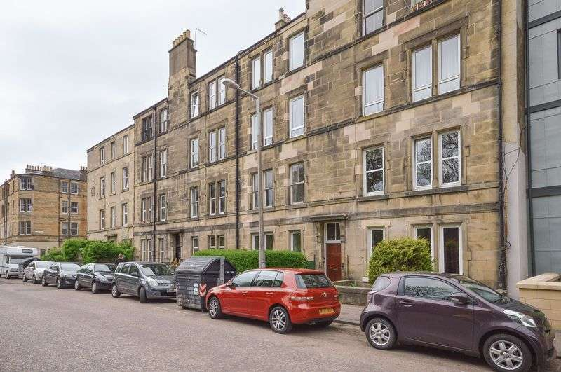 3 Bedrooms Flat for sale in 23/2 Balcarres Street, Morningside, Edinburgh, EH10 5JD