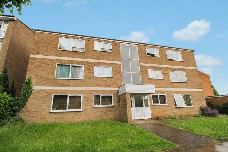 2 Bedrooms Flat for sale in Longford Avenue, Southall