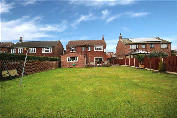 4 Bedrooms Detached House for sale in Springville Gardens, Upton