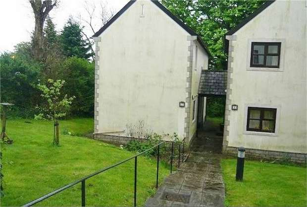 2 Bedrooms Detached House for sale in Restway Gardens, Bridgend, Mid Glamorgan