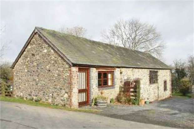 4 Bedrooms Barn Conversion Character Property for sale in Cefn Gorwydd, Llangammarch Wells, Powys