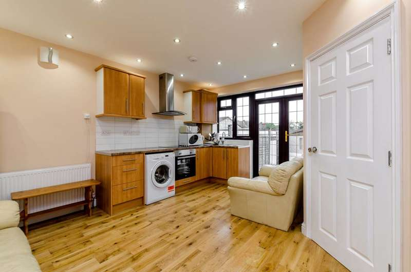 6 Bedrooms House for sale in Bond Road, Mitcham, CR4
