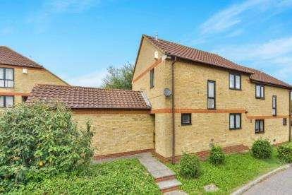 3 Bedrooms Semi Detached House for sale in Hartwort Close, Walnut Tree, Milton Keynes