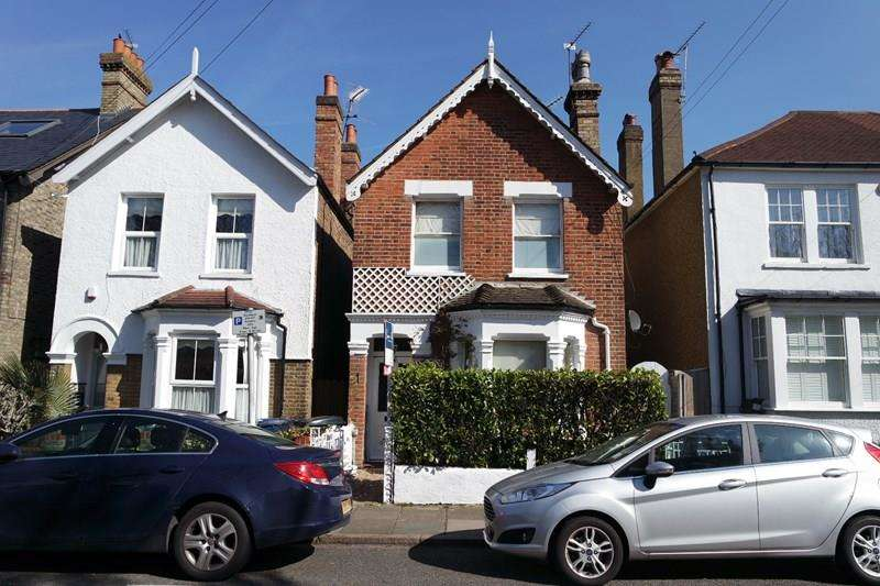 3 Bedrooms Detached House for sale in Strafford Road, High Barnet